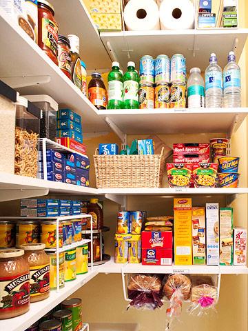 Como organizar o armário de mantimentos